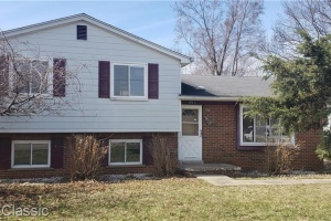 4 Bedrooms Bedrooms,Single Family Home,1096