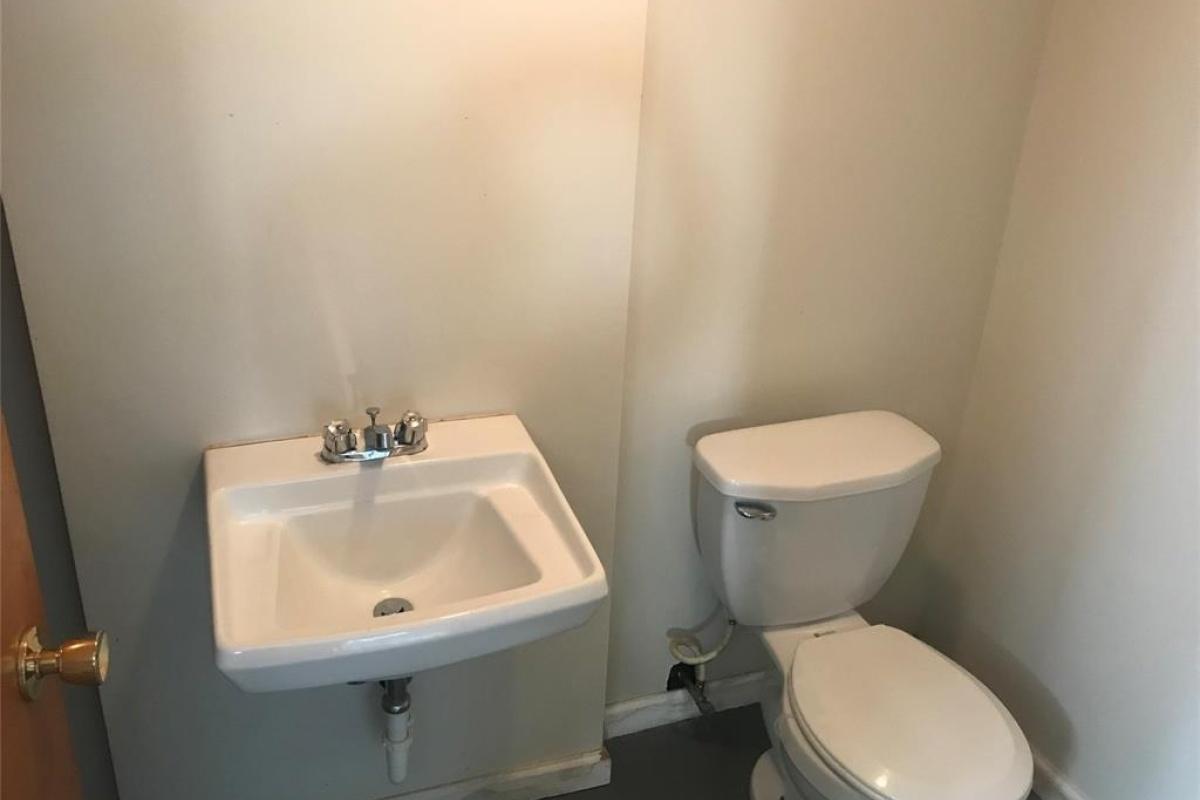 3 Bedrooms Bedrooms,2 BathroomsBathrooms,Single Family Home,1101